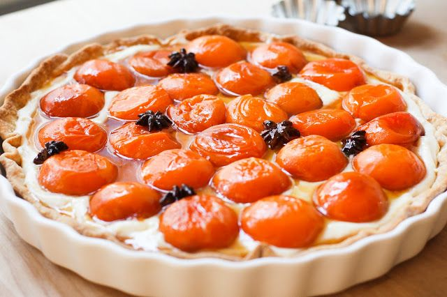 feasting at home: Honey Roasted Apricot Tart with Mascarpone Cream and ...