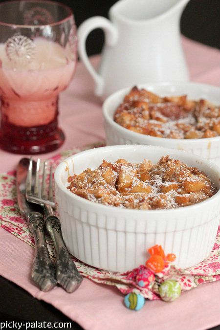 Apples and Spice Cinnamon Bread Pudding