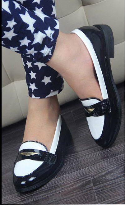 England Retro Stylish Patent Leather Flat Shoes
