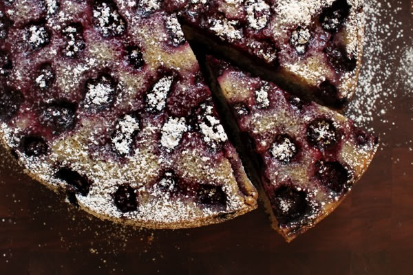 Blackberry Buttermilk Cake. House to Haus blog. Great dusting of sugar ...