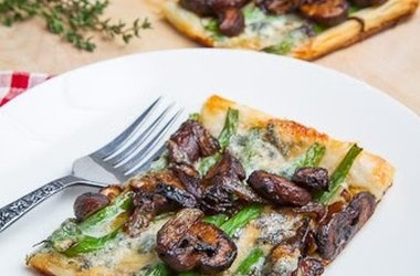 green bean, mushroom, and caramelized onion tart