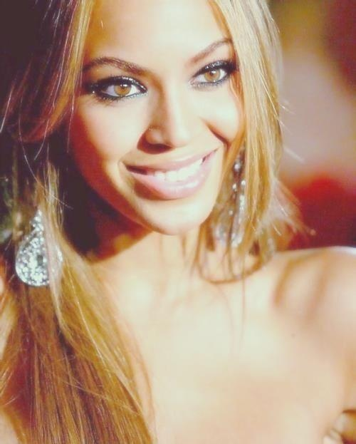 Beyonce works that glitter eyeliner
