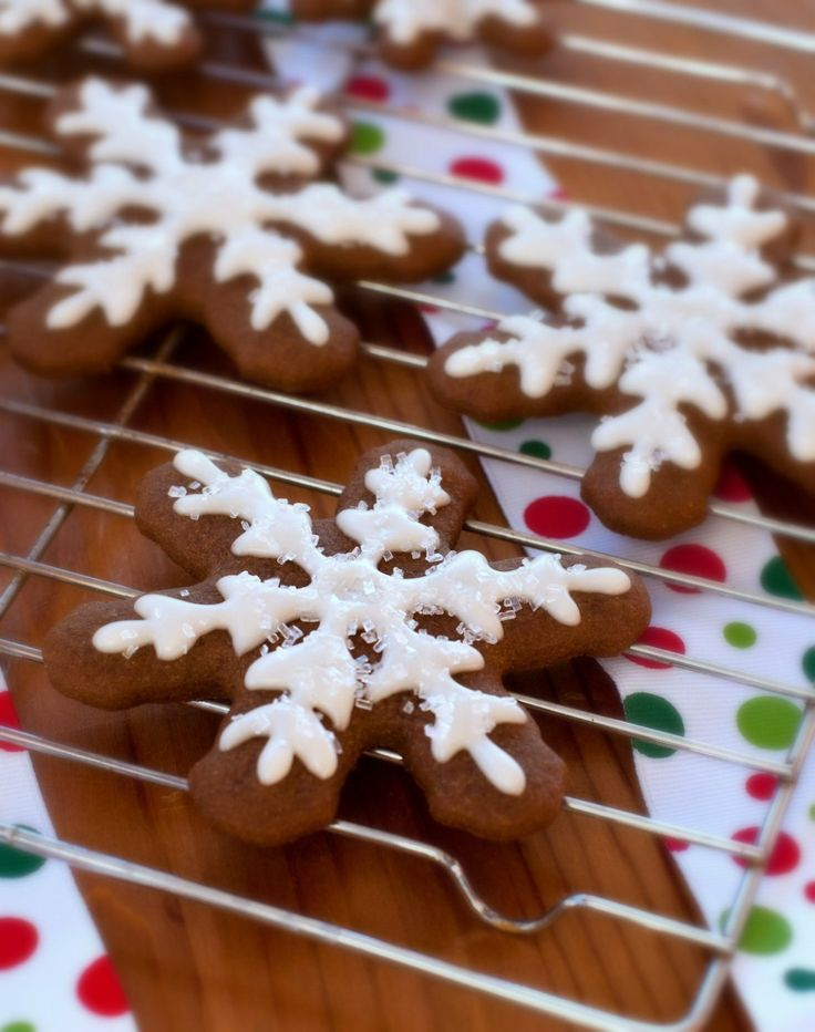 Gluten free gingerbread cookies. Will serve with Oh She Glows VEGAN ...