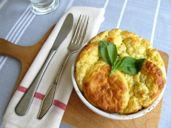Meatless Monday: Herb and Ricotta Cheese Soufflé | The Public Kitchen ...