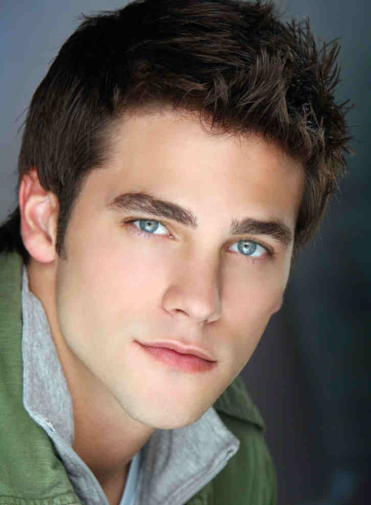 Imagenes De Actors With Dark Brown Hair And Blue Eyes