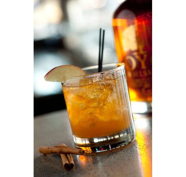 The Housecat (apple cider, whiskey, maple syrup)
