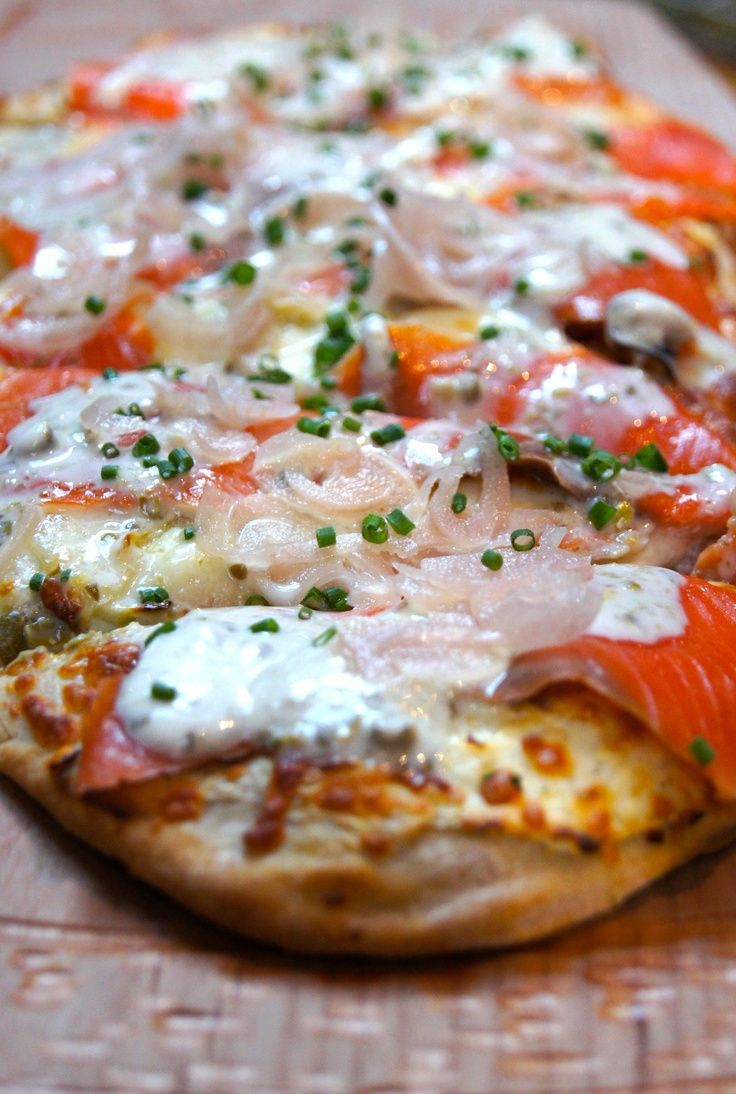Flatbread with Smoked Salmon, Fennel, Chili, Shallots, Capers, Crème ...