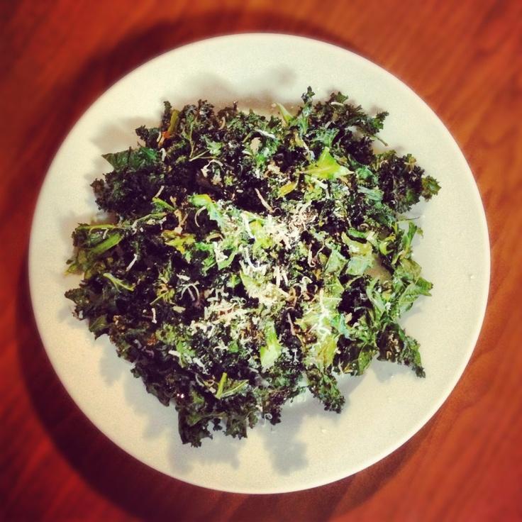 Easy Kale Chips - SavvySassyMe.com | Nom Nom Nom | Pinterest
