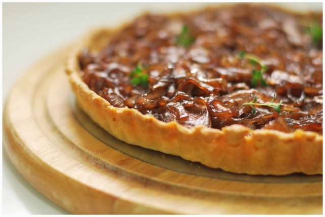Caramelized onions and blue cheese tart | Tummy Delights | Pinterest