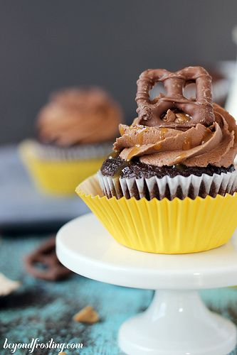 Take 5 Cupcakes - Chocolate Cupcakes with Peanutbutter Filling and ...
