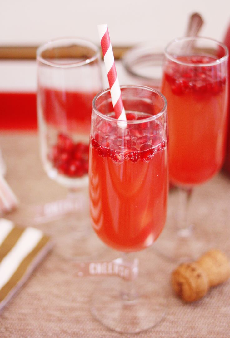 Grapefruit Pomegranate Mimosas | Yummy | Pinterest