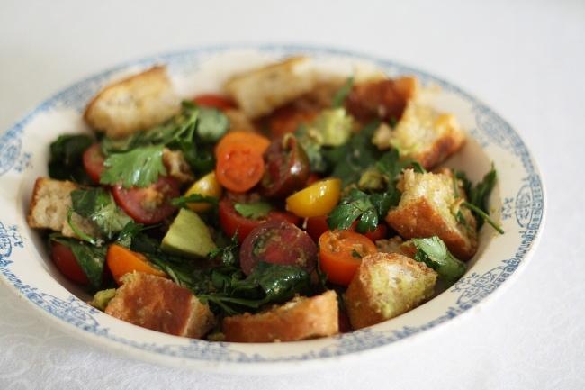 Panzanella-Tomato bread salad | Vegetarian & Vegan | Pinterest
