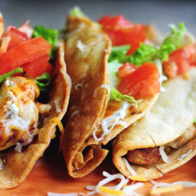 ... http://thepioneerwoman.com/cooking/2011/03/my-brothers-chicken-tacos