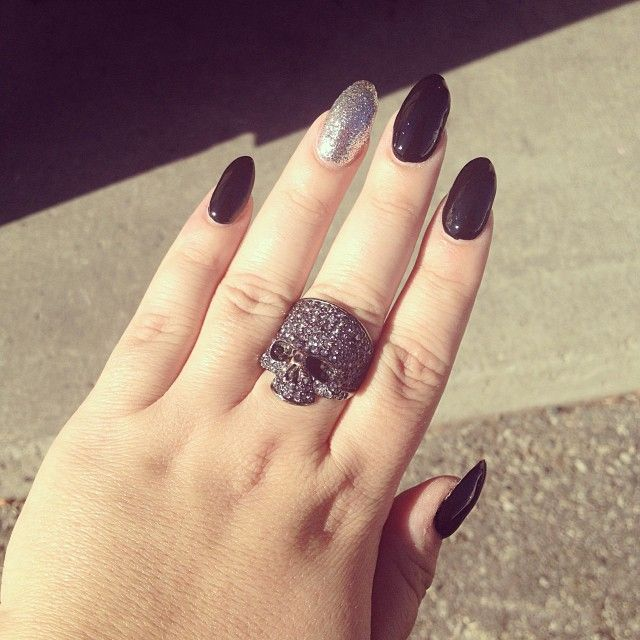 my black almond-shaped nails | My Style | Pinterest