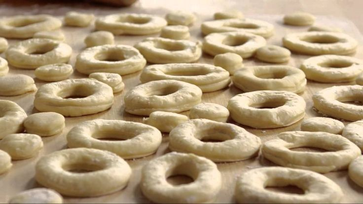 How to make crispy and creme donuts.   Breads   Pinterest