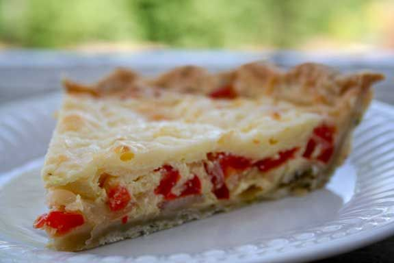 Red Pepper Quiche with Butter Herb Crust | Beautiful Breakfasts | Pin ...