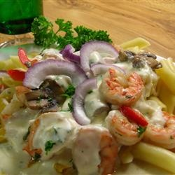 Peppered Shrimp Alfredo ~ with red bell peppers, shrimp, penne pasta ...