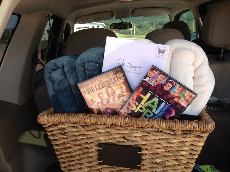 Wedding Movie Gift Basket : Movie night in a basket. 2 DVDs and 2 blankets perfect wedding gift!