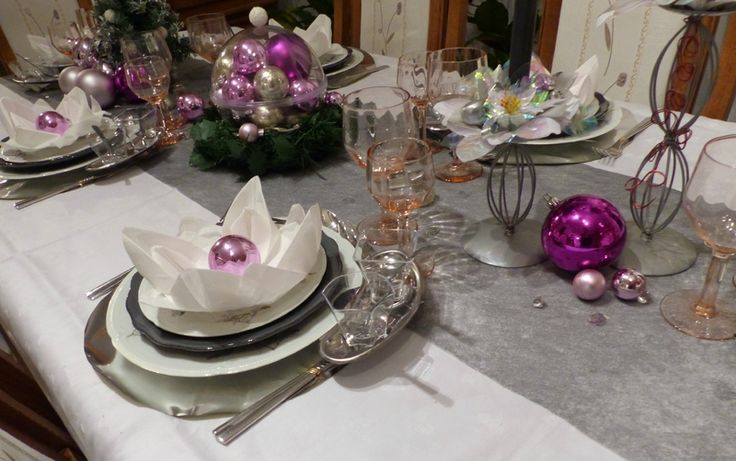 Table de no l rose et gris argent table et d co pinterest - Deco table noel argent et blanc ...