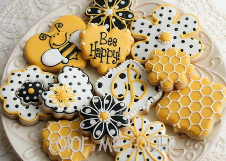 Bee (Heart Cookie Cutter) | Cookies Using Heart Shaped Cookie Cutter ...