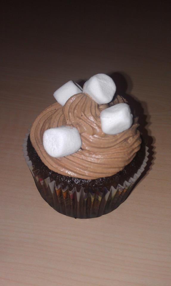 Hot cocoa cupcake | ~Cupcakes~ | Pinterest
