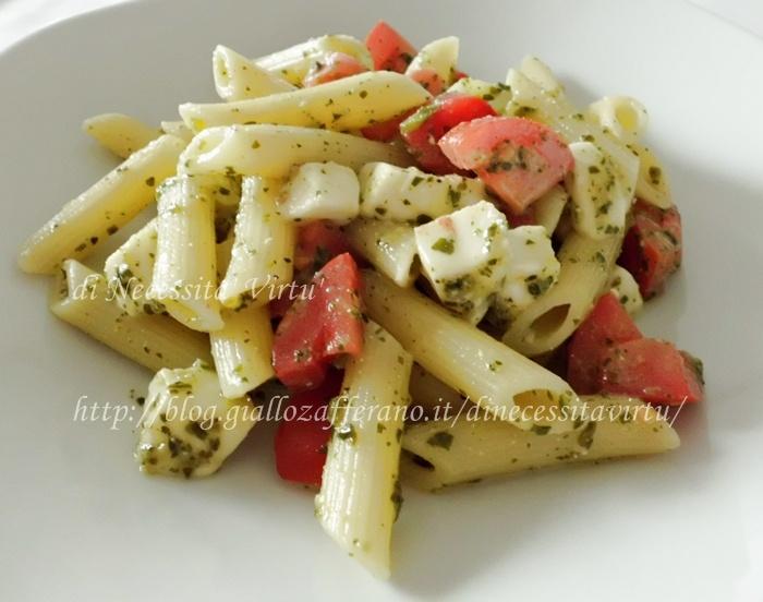 Penne con Mozzarella Pesto e Pomodorini   Food   Pinterest