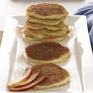 Vanilla & Cinnamon-Kissed Apple Latkes Recipe ... these sound deelish!