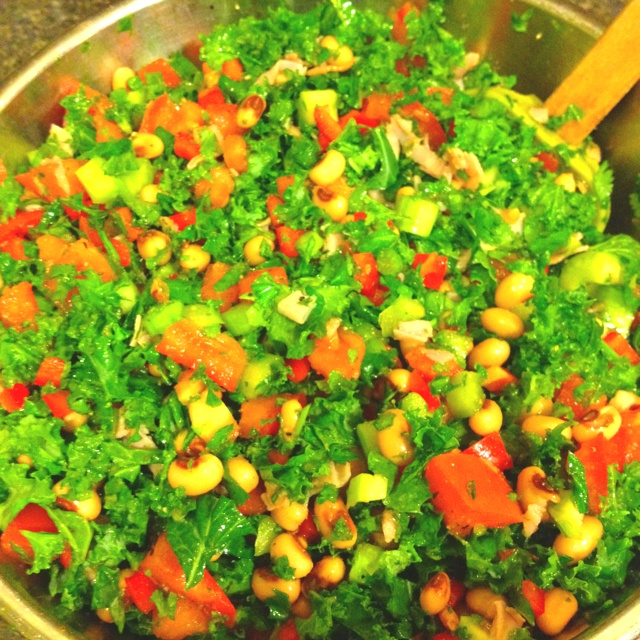 ... kale, tomatoes, green onion, parsley, celery, cilantro, lots a pepper