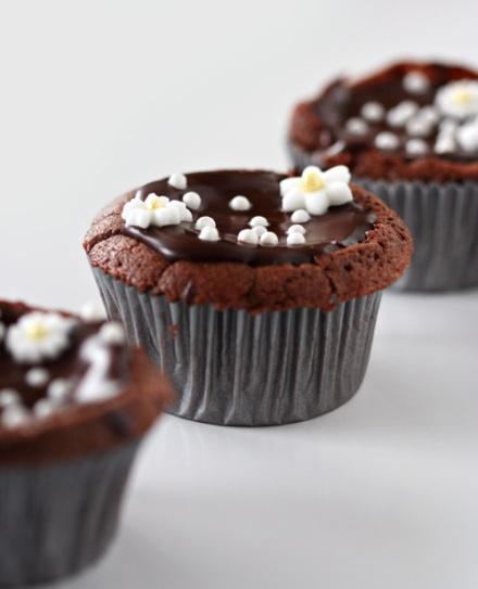 Flourless Chocolate Cupcakes | Eat - Dessert | Pinterest