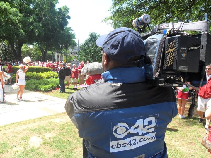 Toby Carter shooting Alabama's A-Day 2011