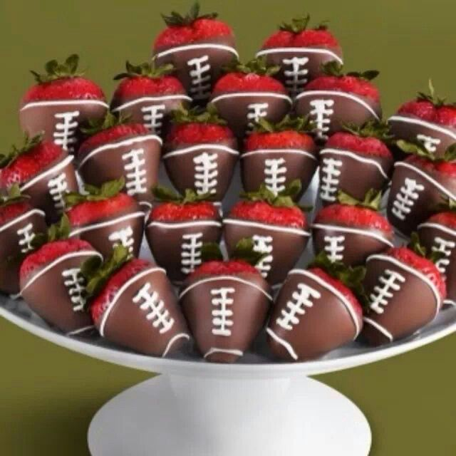 Chocolate-covered strawberry footballs! | Yum and ahhh! | Pinterest