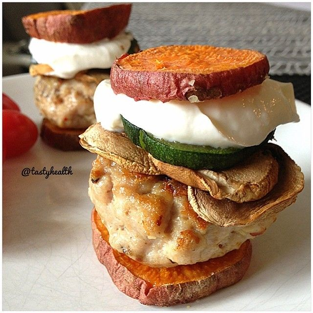 chicken sliders with roasted zucchini, mushrooms and a herb & garlic ...