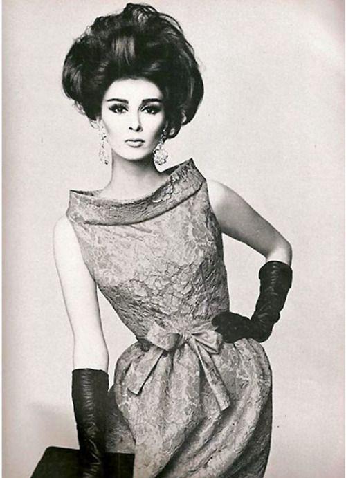 Wilhelmina in Pierre Cardin, 1962