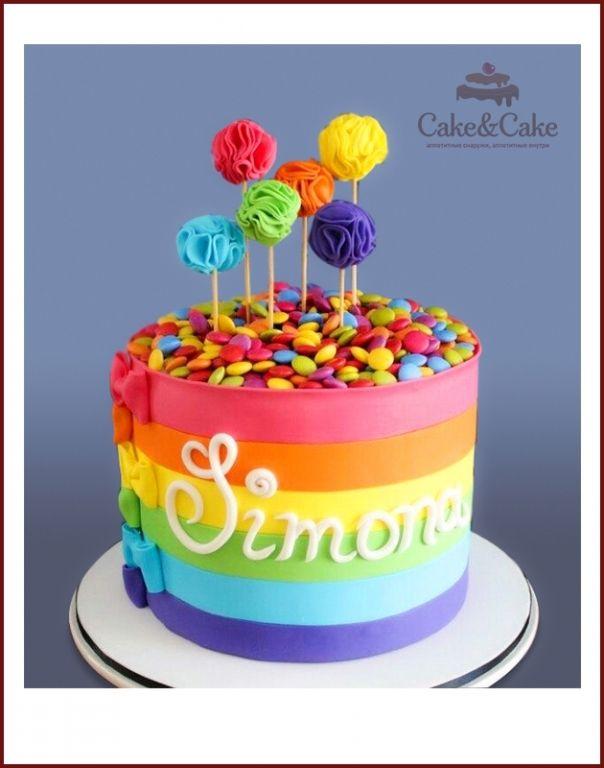 Торт в цветах радуги