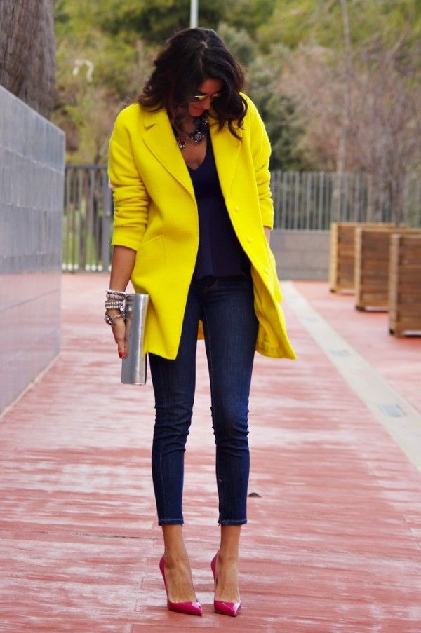 Gorgeous Style in long yellow coat and blue jeans