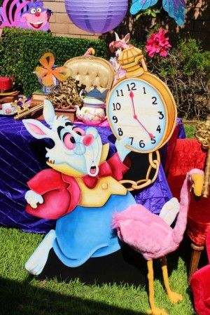 Alice in Wonderland Party Ideas from Chakodadesigns.com @ www.partyz.co !