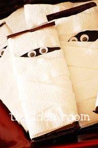 halloween. hershey bar + crepe paper + google eyes. super Cute!