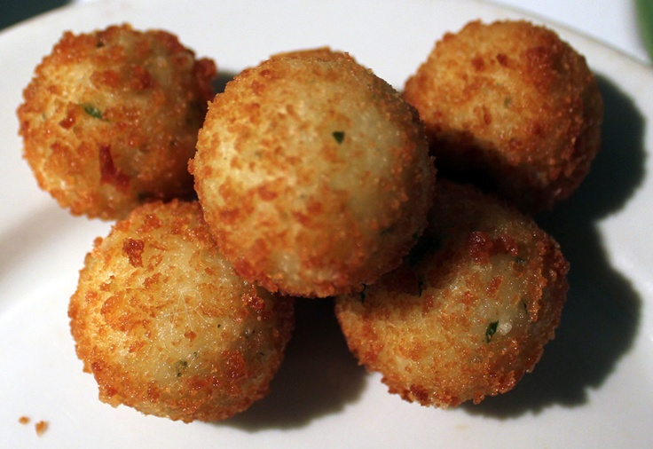 Arancini Bites. Tasty little rice balls filled with melty fontina ...