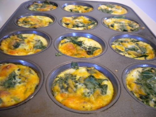 Delicious, easy crustless mini quiches- I used spinach, broc, red ...