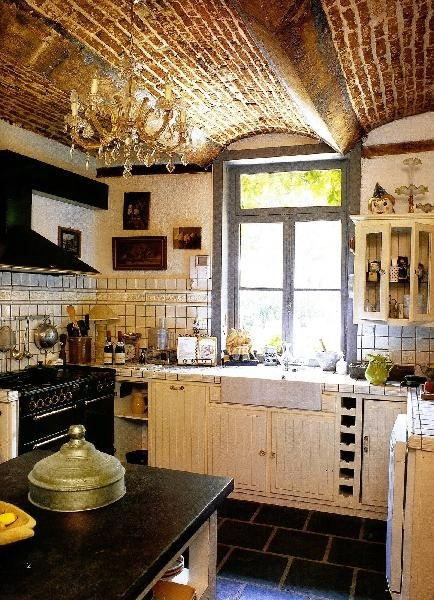 Rode Keuken Ikea : French Country Kitchen Brick Ceiling
