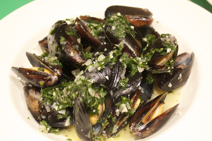 Mussels in white wine sauce | Mussels | Pinterest