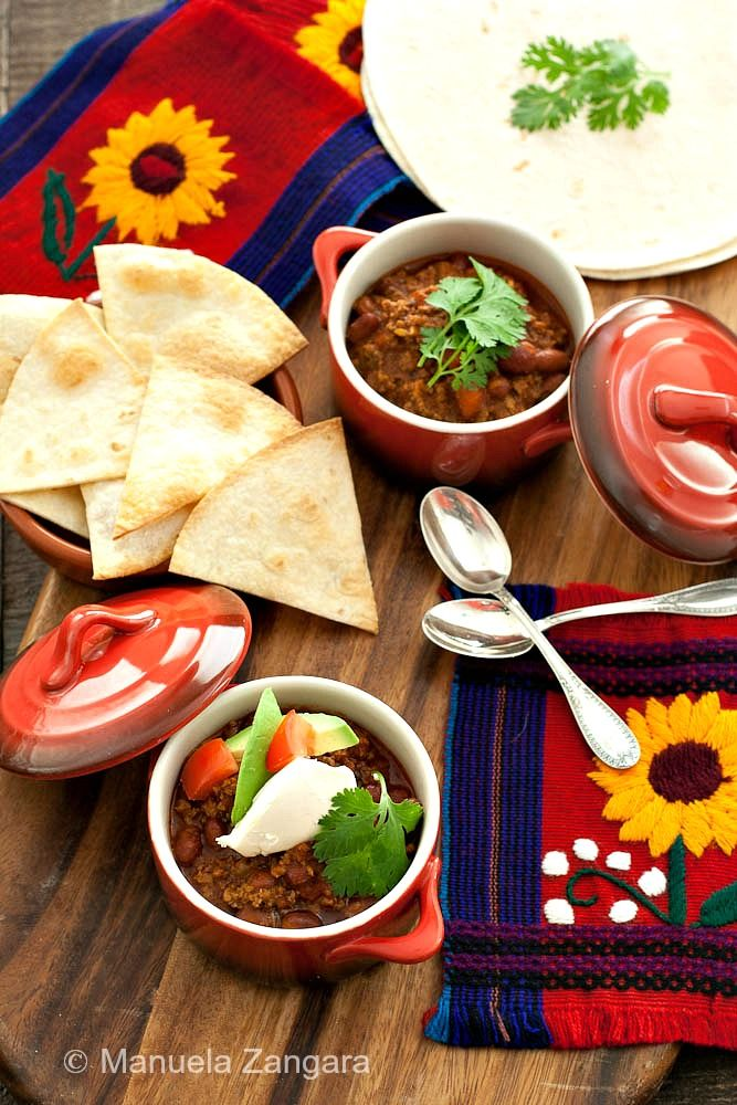 How to make a quick and easy Chili con Carne with beans and ground ...