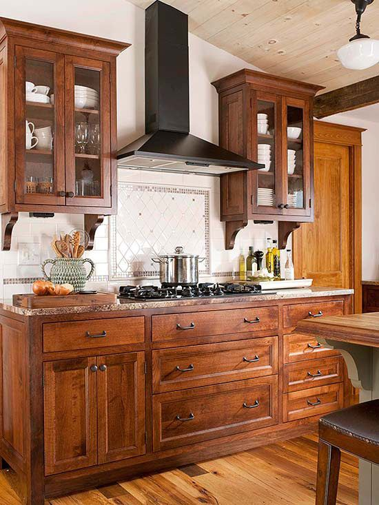 Small kitchen ideas traditional kitchen designs for Small upper kitchen cabinets