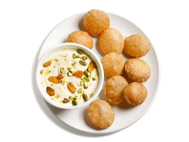 Aarti's Shrikhand and Pooris from #FNMag