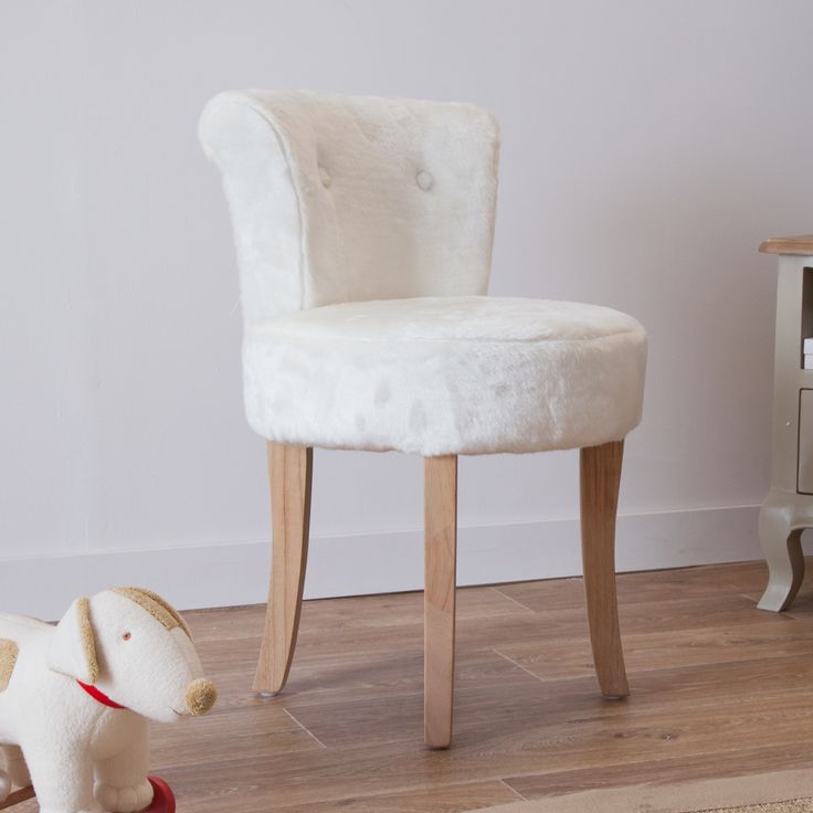 Pin by on chalet pinterest - Fauteuil crapaud vintage ...