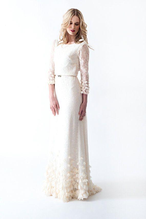Boho Wedding Dress Sleeves : Lace boho vintage wedding dress with sleeves open back and beautiful