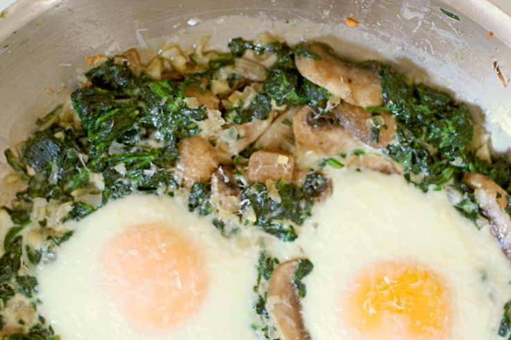 mushrooms recipe for baked egg with bacon spinach and mushrooms the ...