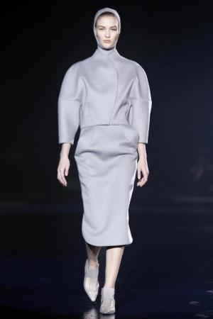 Designer roland mouret collection by paris fashion week