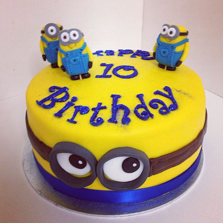 Despicable Me Birthday Cake Complete With Minions Minion