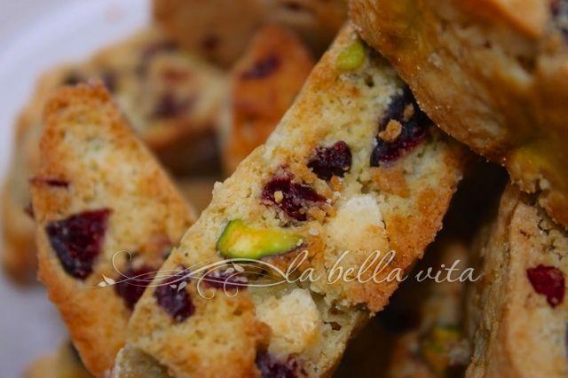 Pistachio Cranberry & White Chocolate Biscotti | La Bella Vita Cucina